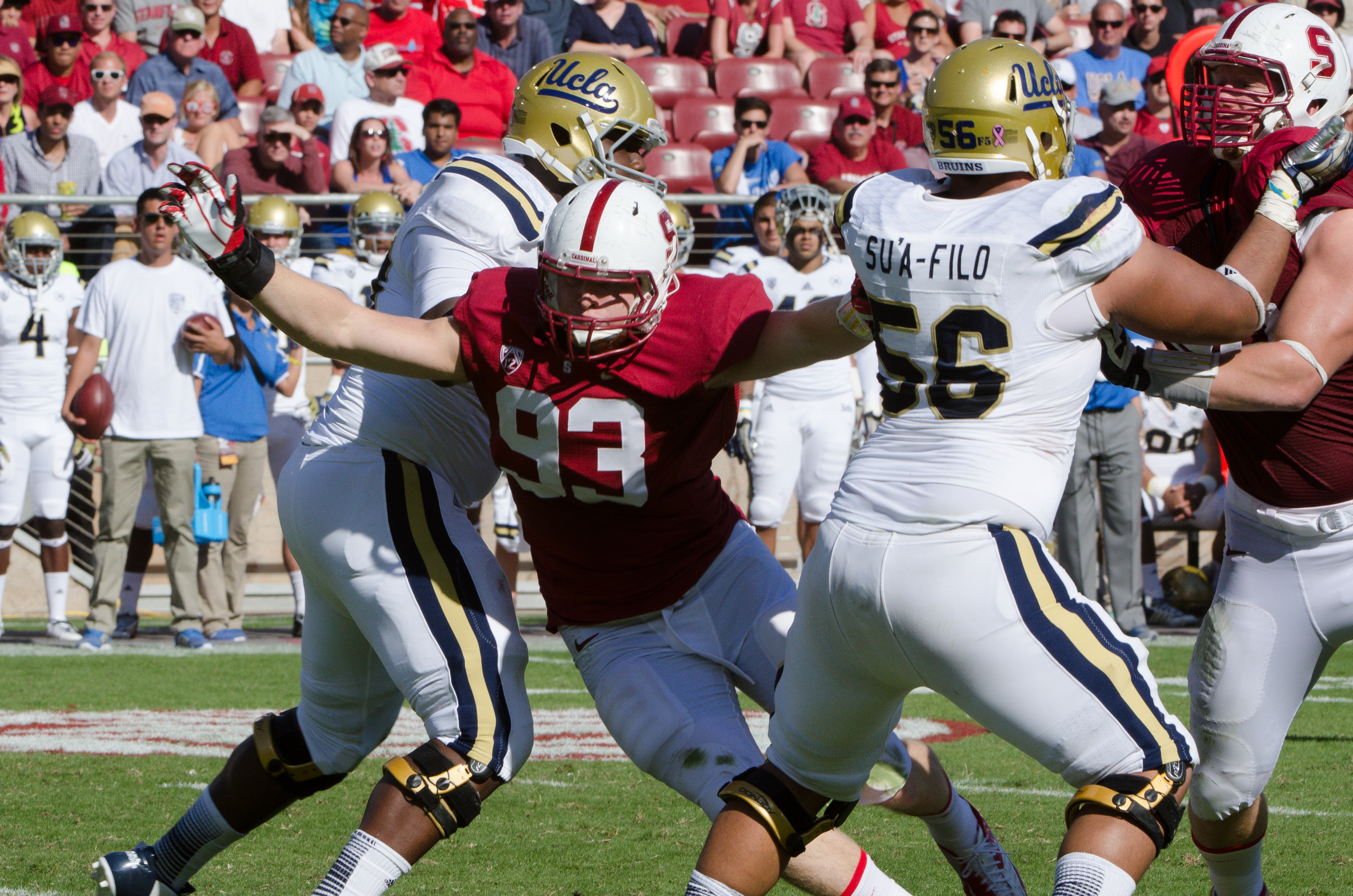 Trent Murphy breaks through a tough offensive line. (Courtesy of Cynthia Yock)