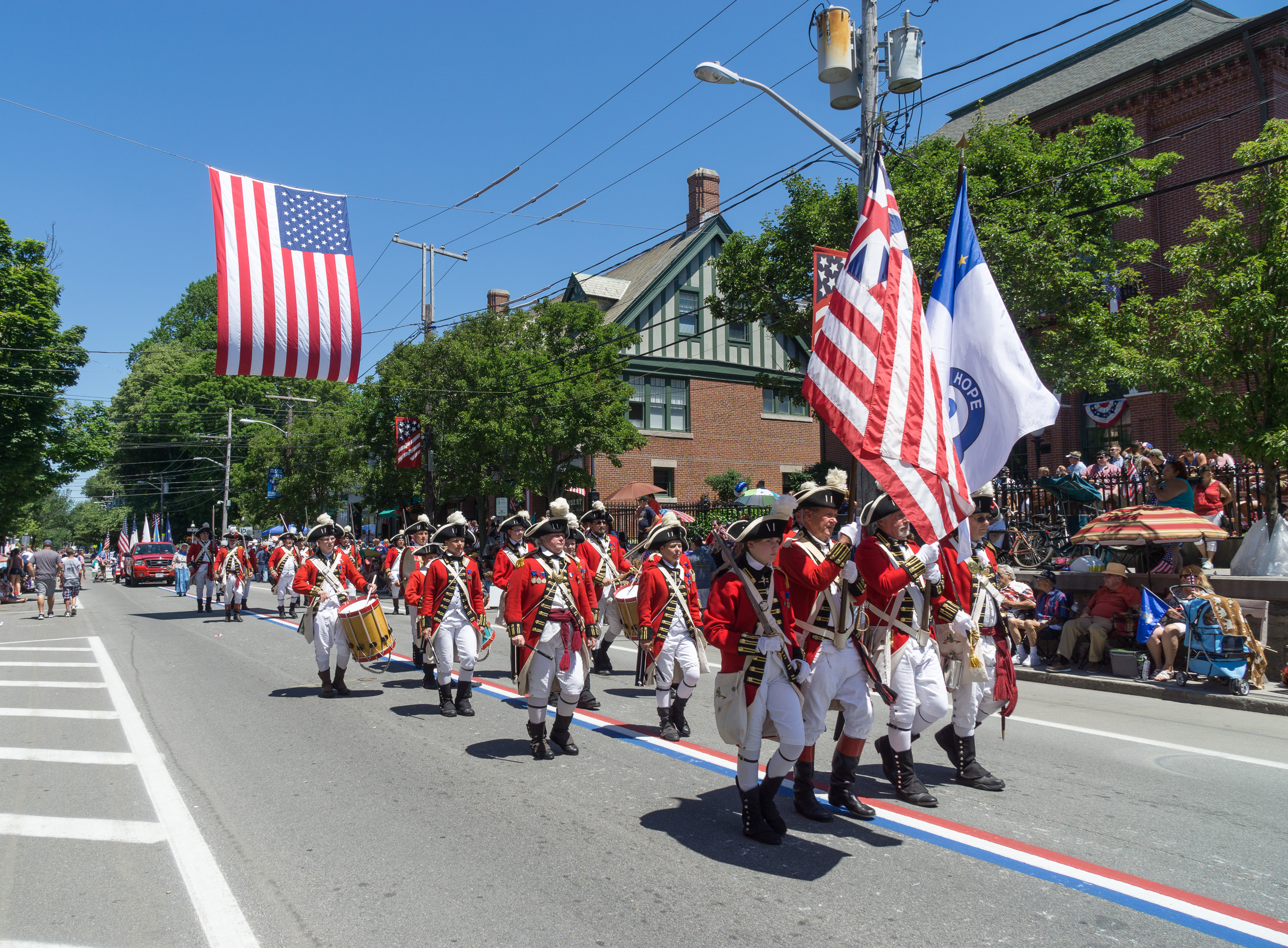The differences between conservatives and liberals - Page 10 2016_Bristol_Rhode_Island_Fourth_of_July_Parade