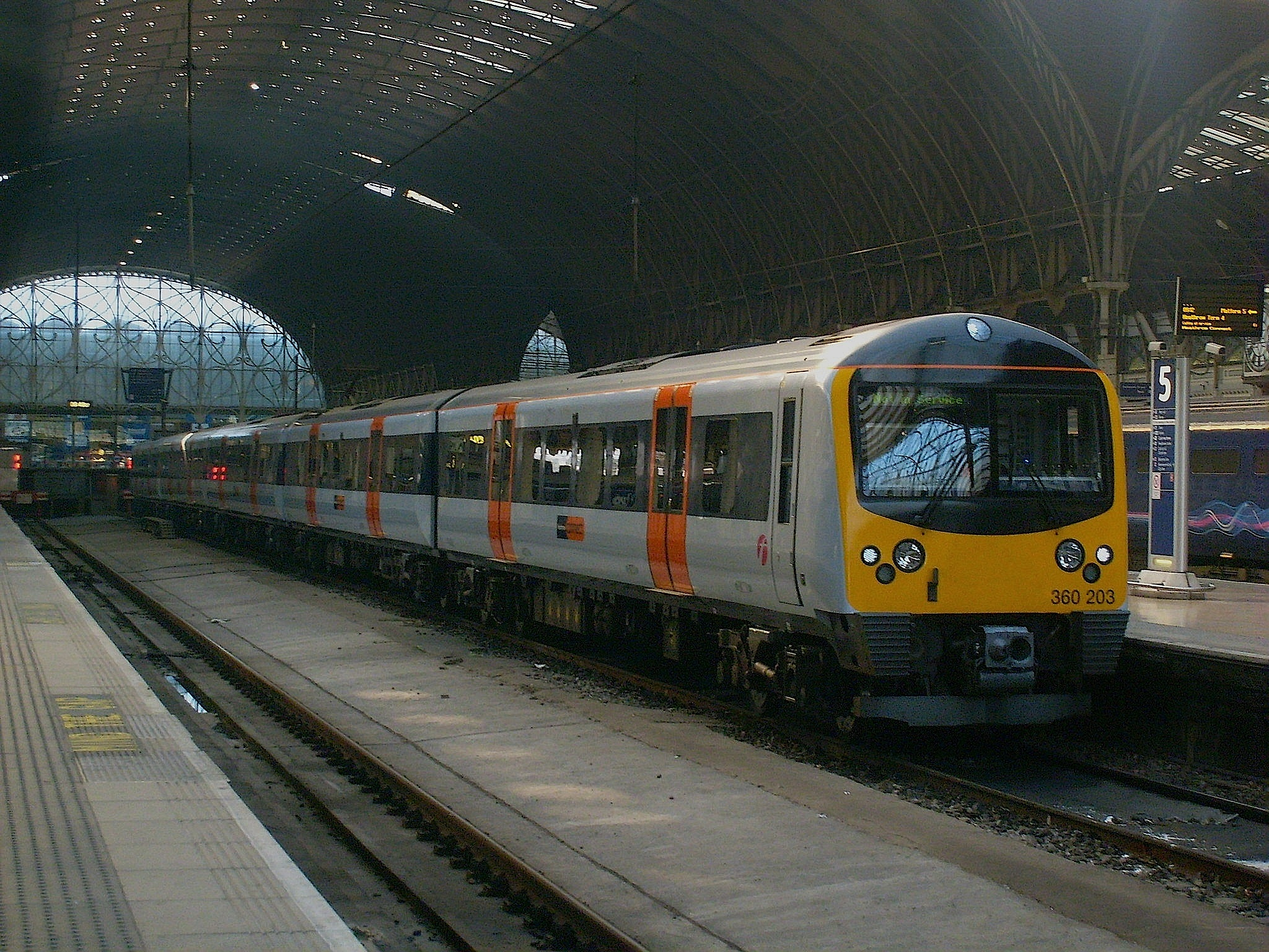 360203 A London Paddington 1.JPG