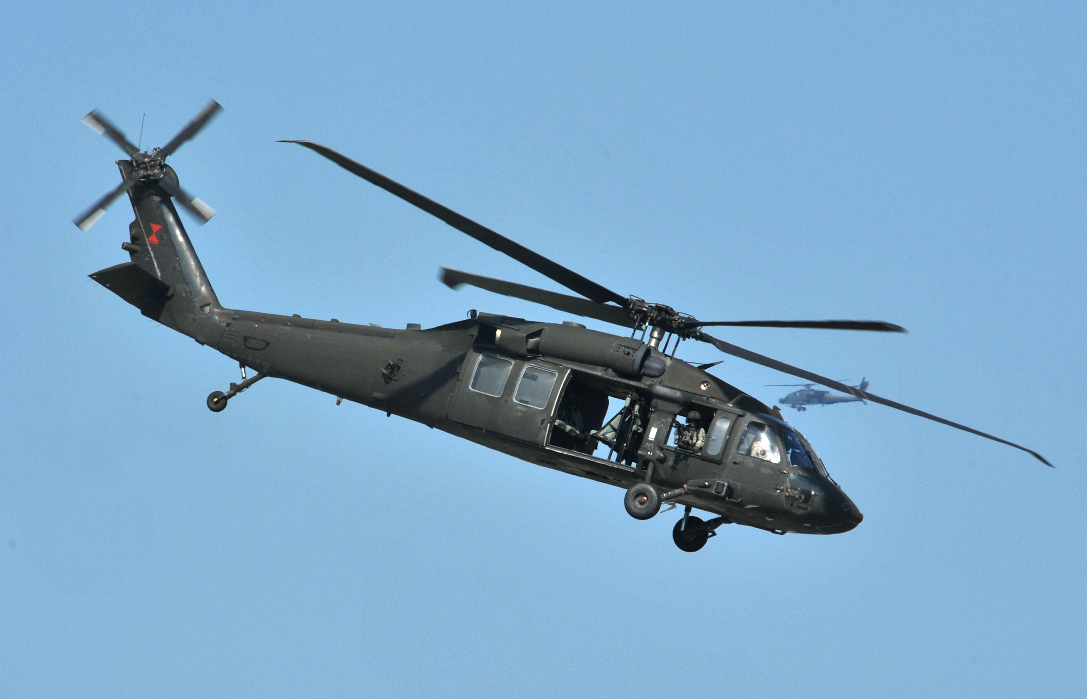 blackhawk helicopter - photo #37