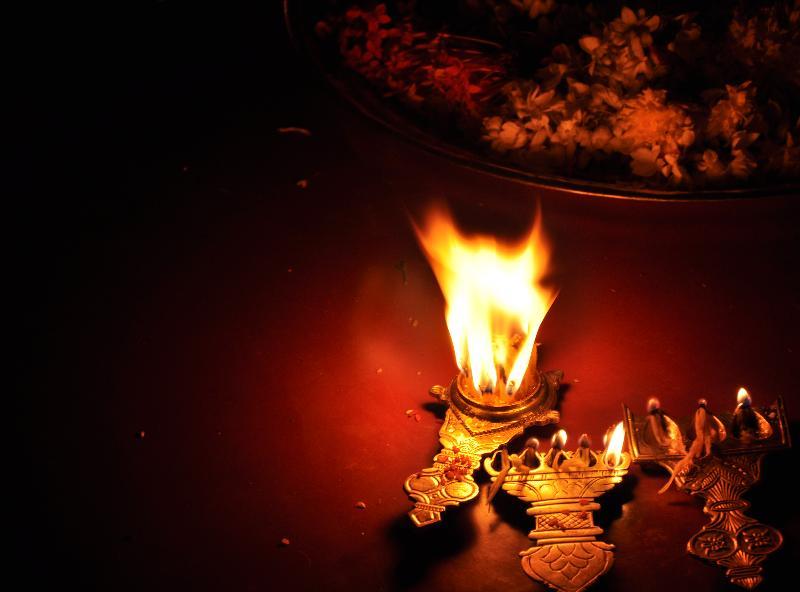File Aarti Arati Lamp For Puja Prayers Hinduism Jpg