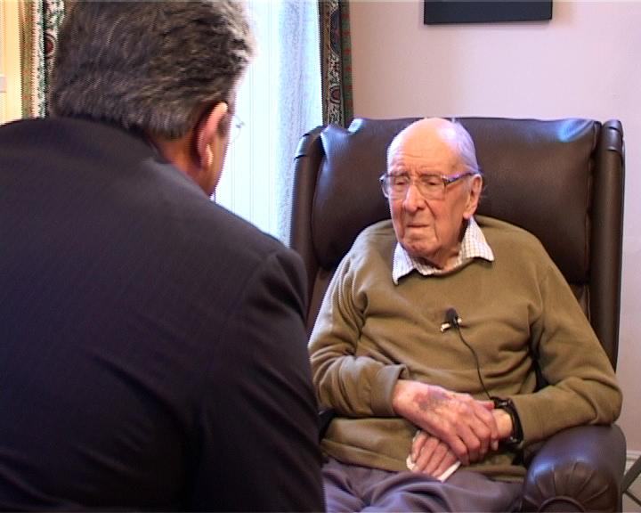 Watt (right), interviewed by [[Ali Akbar Abdolrashidi]]