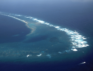 File:Aerial view of the Southeast Part of Kingman Reef.png