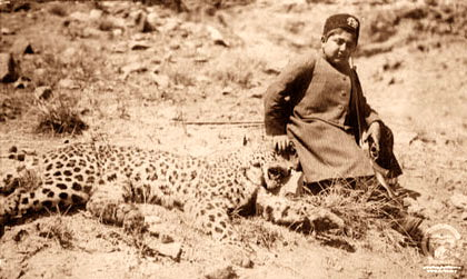 File:Ahamad and Leopard.jpg