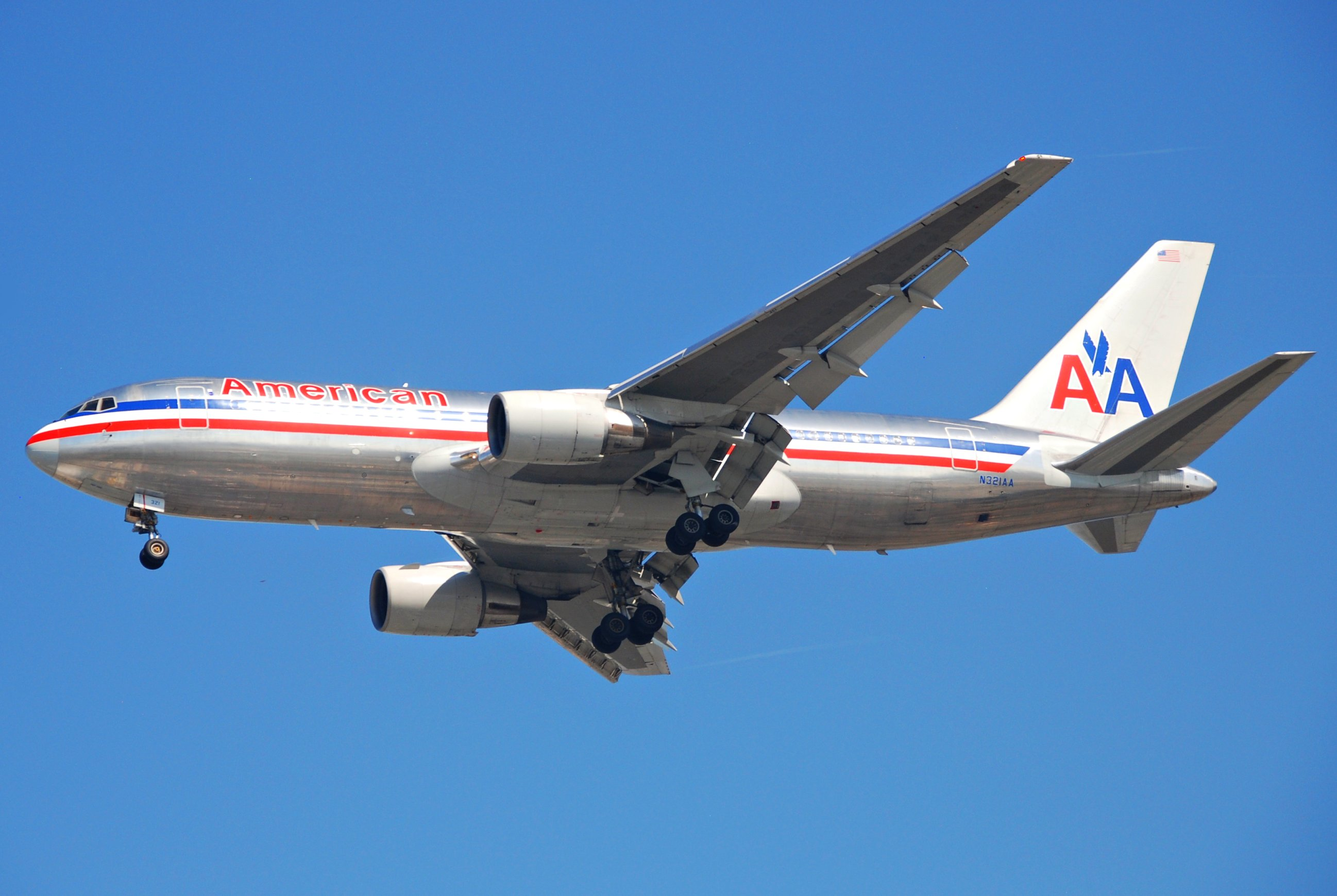 File:American Airlines Boeing 767-200; N321AA@LAX;11.10 ...