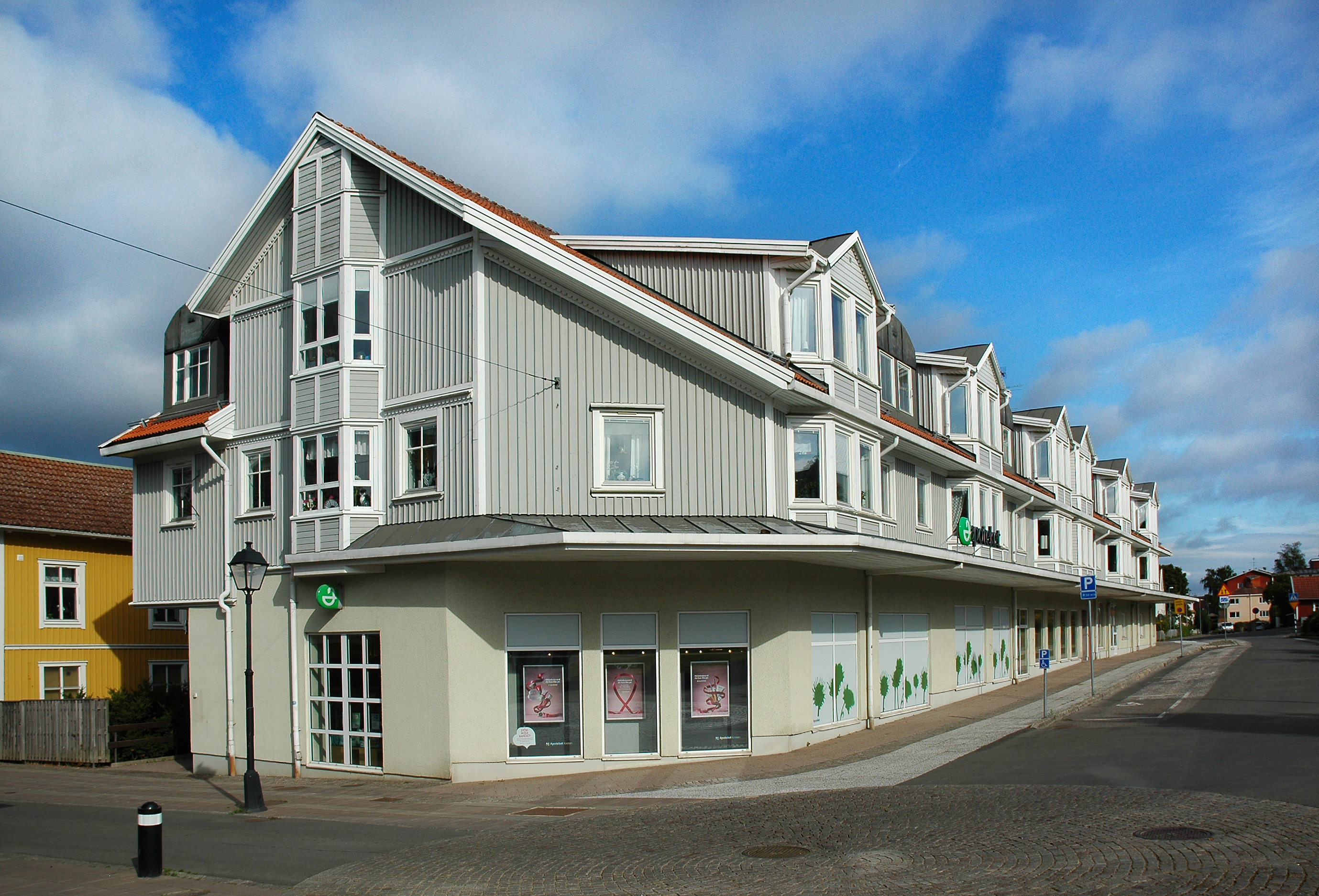 apoteket kronan falköping