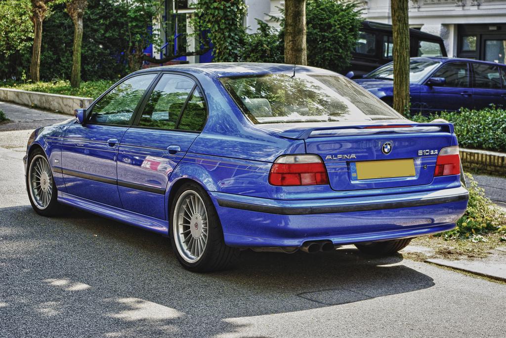 Build A Bmw >> File:BMW E39 Alpina B10 3.2 (2).jpg - Wikimedia Commons