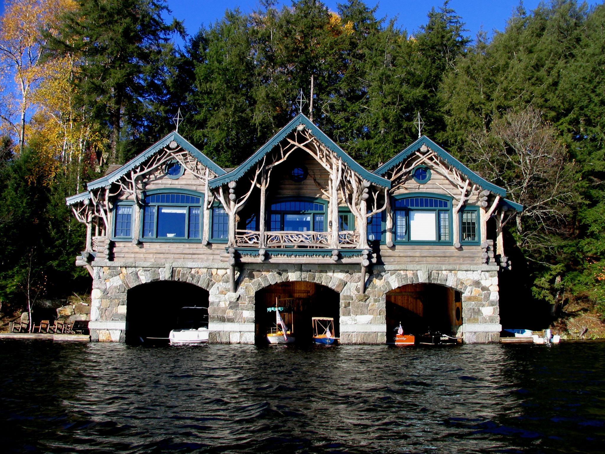 Boathouse on carriage house boat