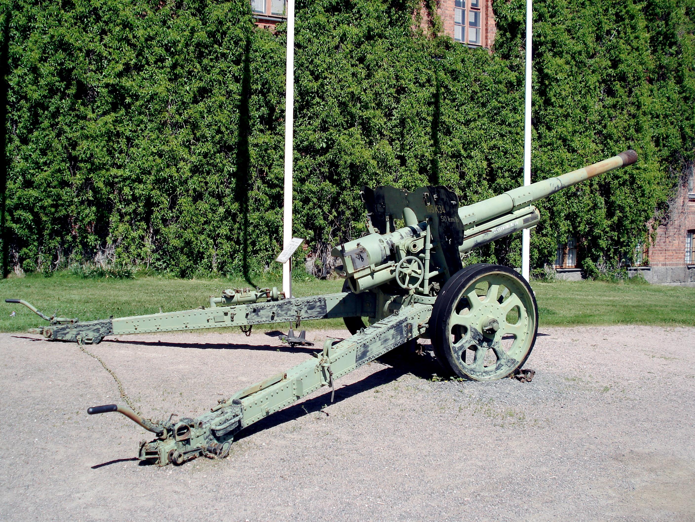 Bofors_M34_105mm_Gun_Hameenlinna_5.jpg