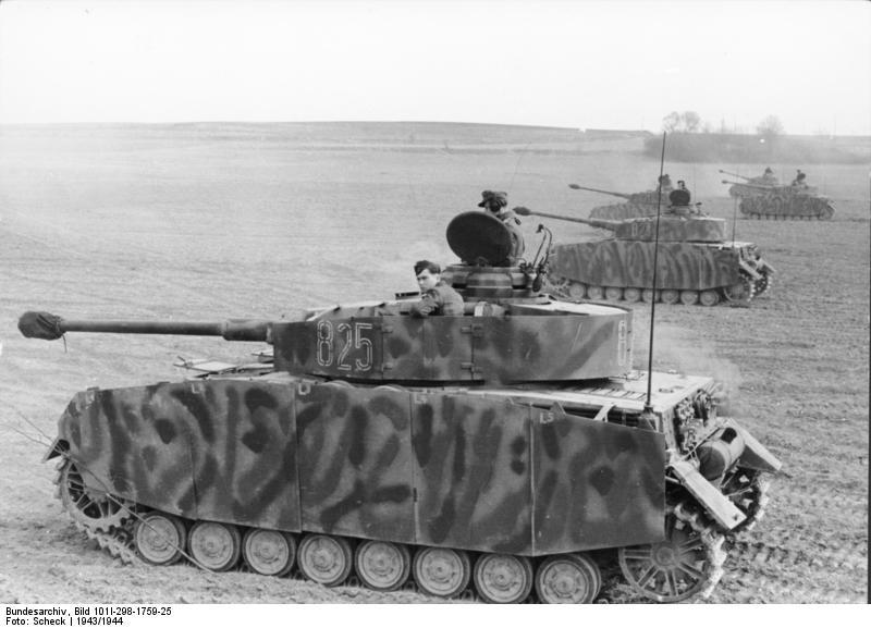http://upload.wikimedia.org/wikipedia/commons/2/28/Bundesarchiv_Bild_101I-298-1759-25%2C_Nordfrankreich%2C_Panzer_IV.jpg