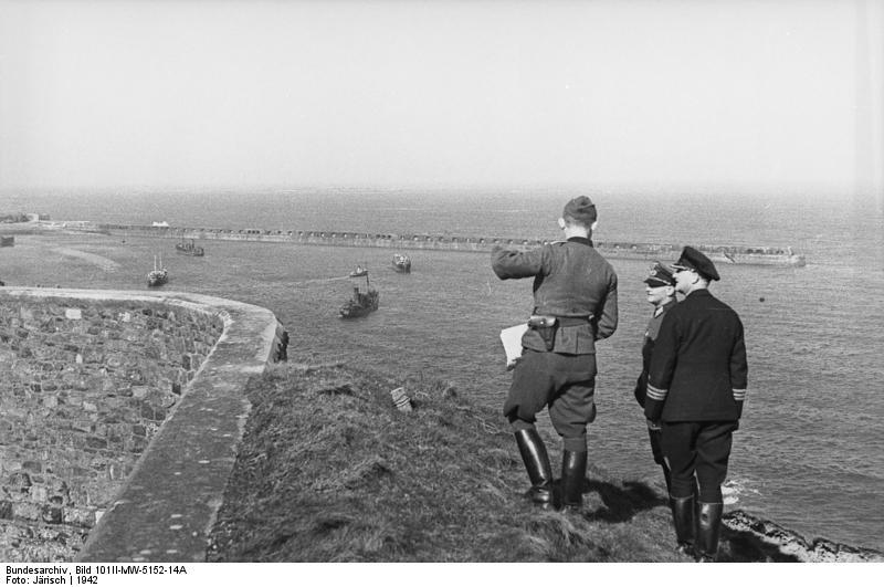 Bundesarchiv Bild 101II-MW-5152-14A, Alderney, Fort Albert, Hafen.jpg