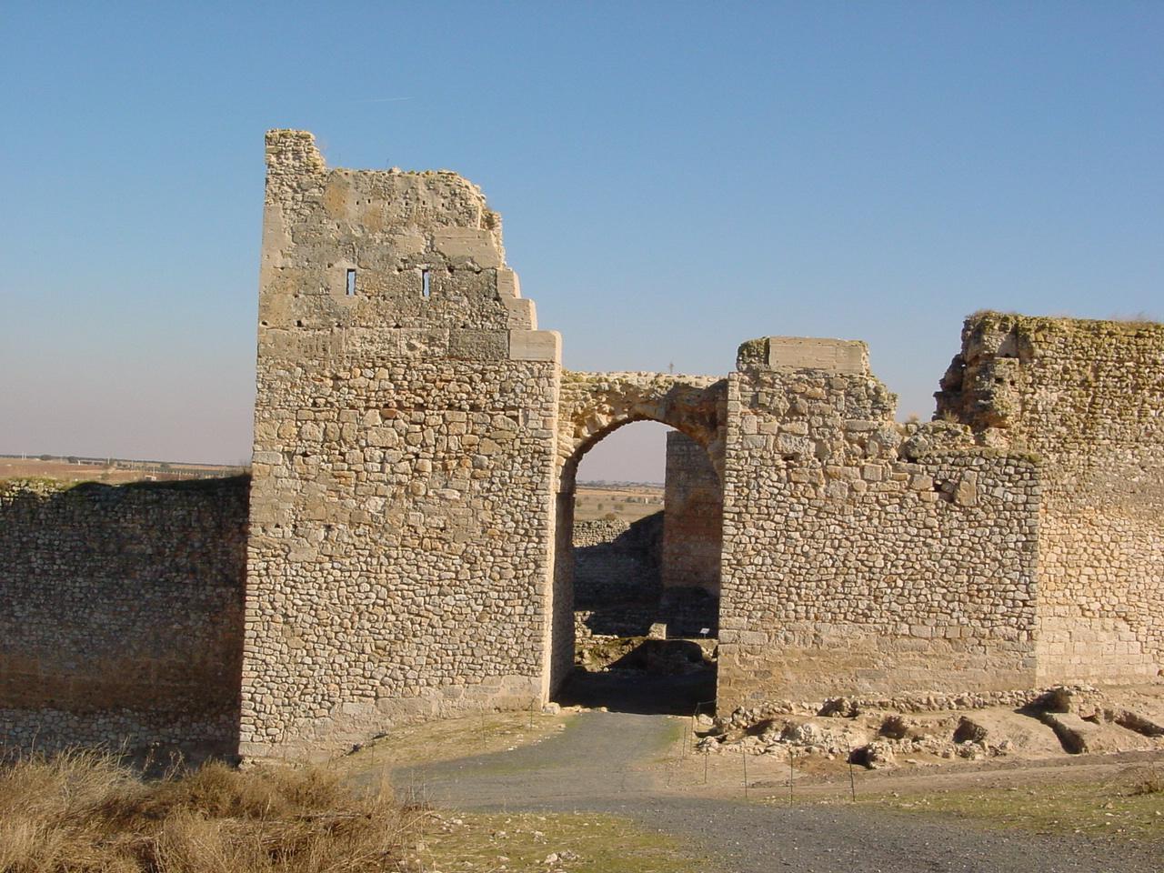 Puerta del Alcazar, Calatrava la Vieja.