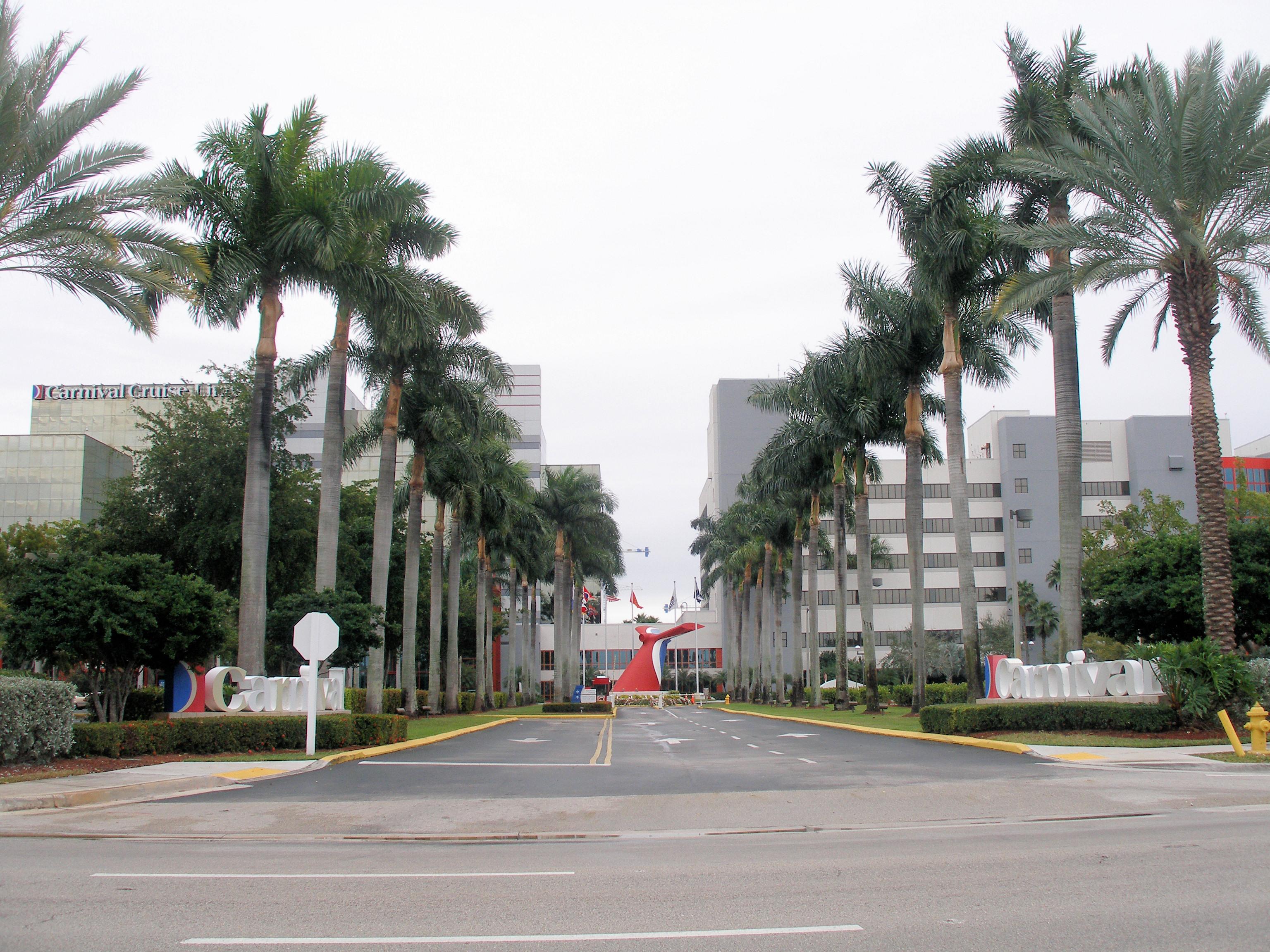 Carnival Corporation & plc - Wikipedia