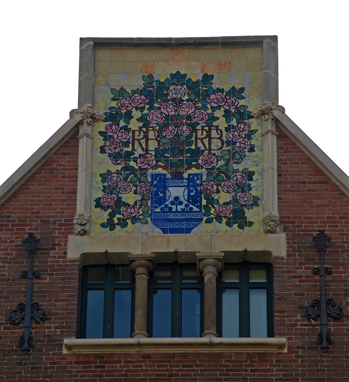 File casa de les punxes wikimedia commons - Casa de las punxes ...