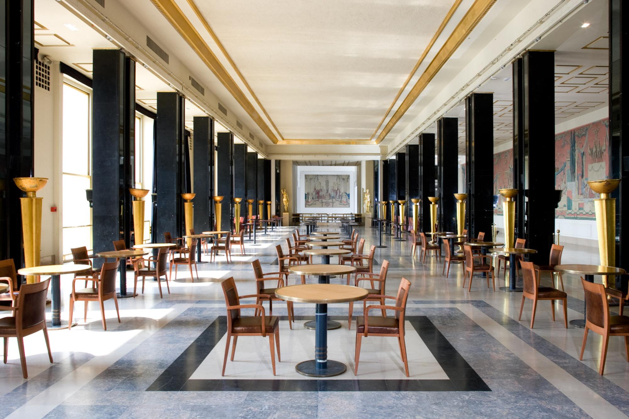 Chaillot_-_Grand_Foyer.jpg?uselang=fr