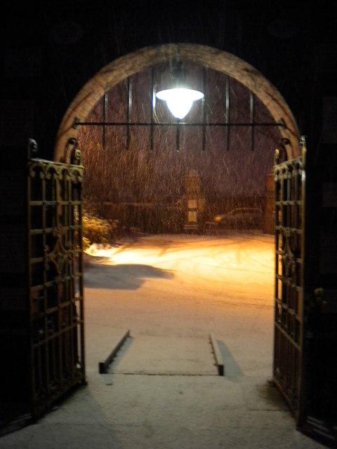 file doorway  golders green crematorium  hoop lane nw11