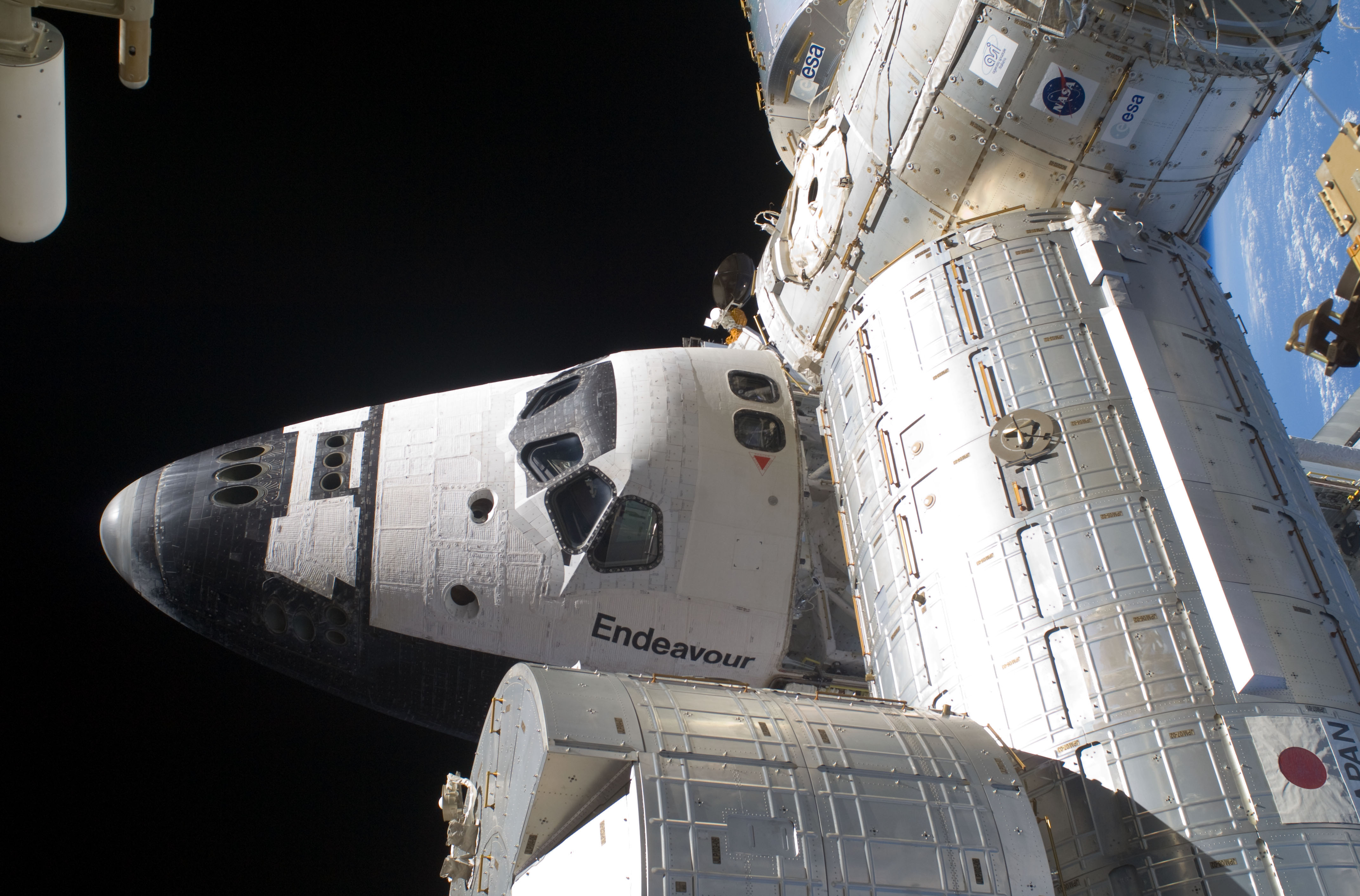 Endeavour_STS127_ISS.jpg