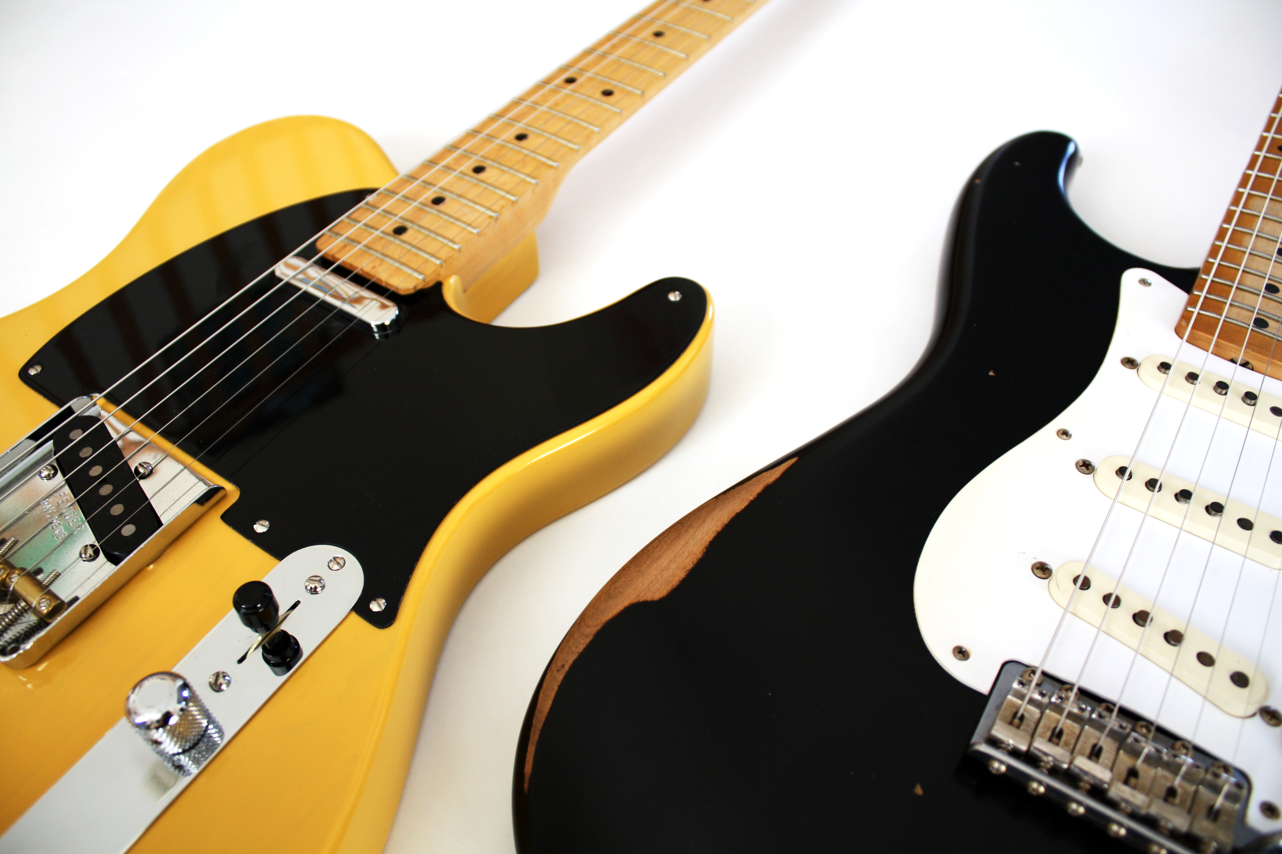 FileFender Telecaster And Road Worn 50s Relic Stratocaster