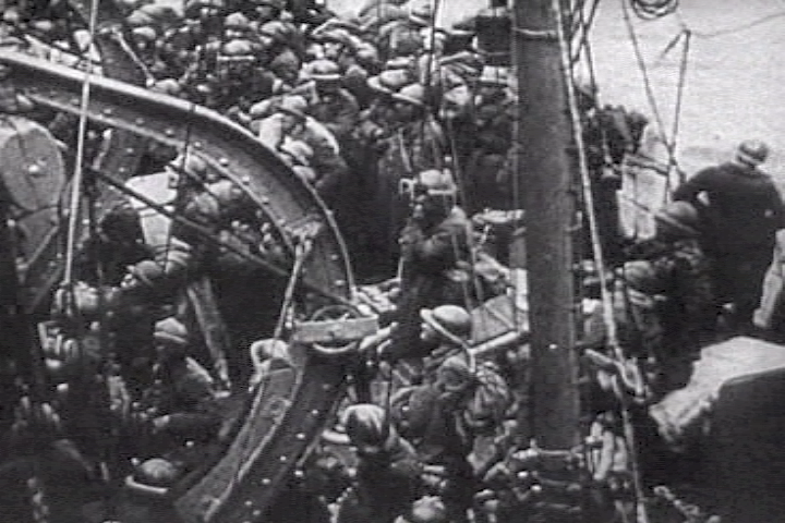 Opération Dynamo French_troops_ship2_dunkirk
