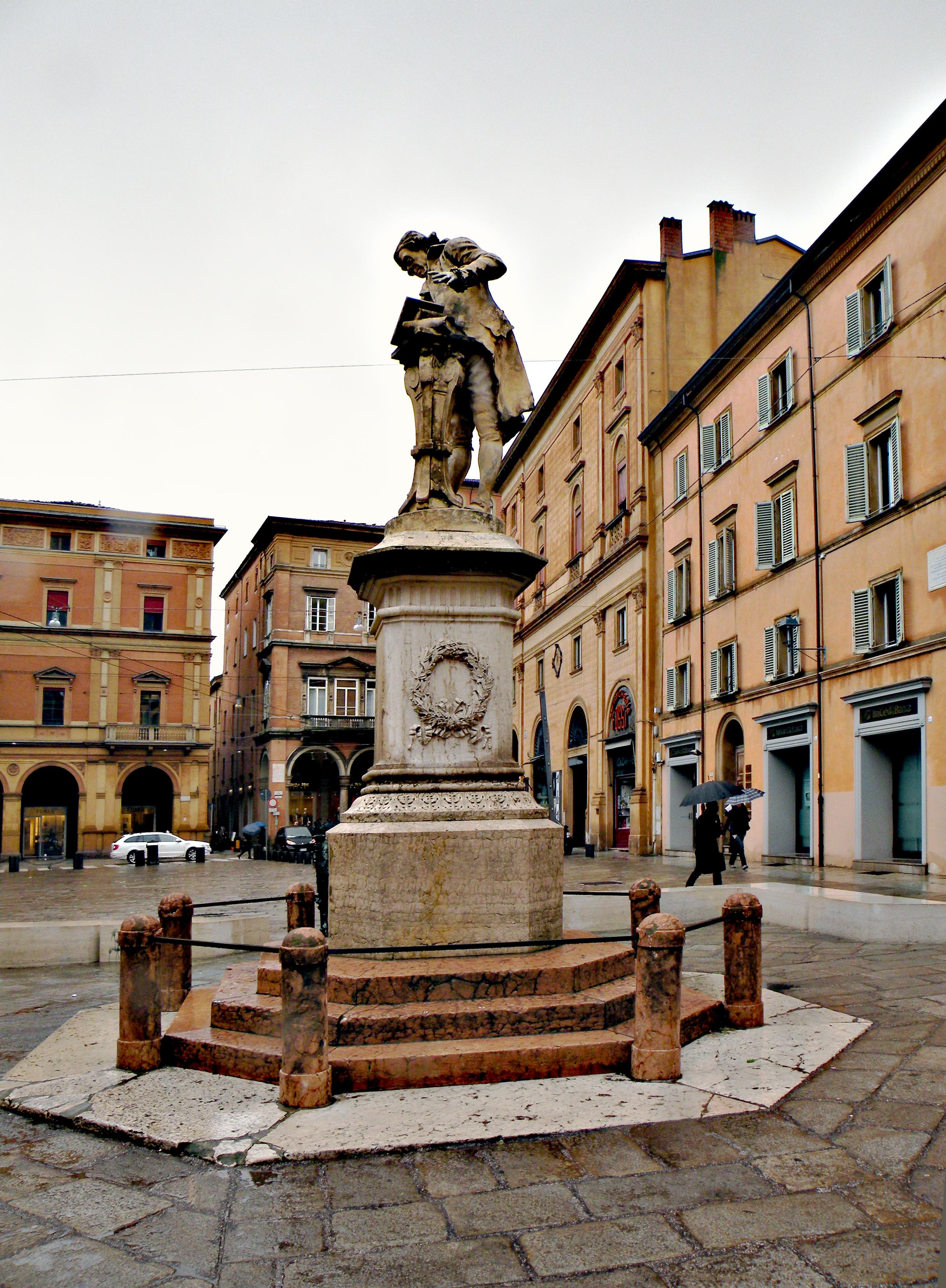 http://upload.wikimedia.org/wikipedia/commons/2/28/Galvani_monument_(_Bologna).jpg
