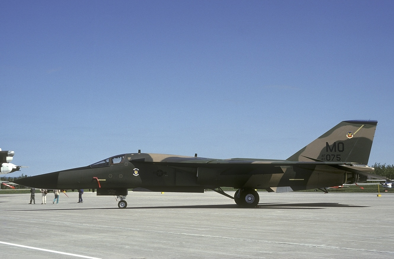 File:General Dynamics F-111A Aardvark, USA - Air Force ...