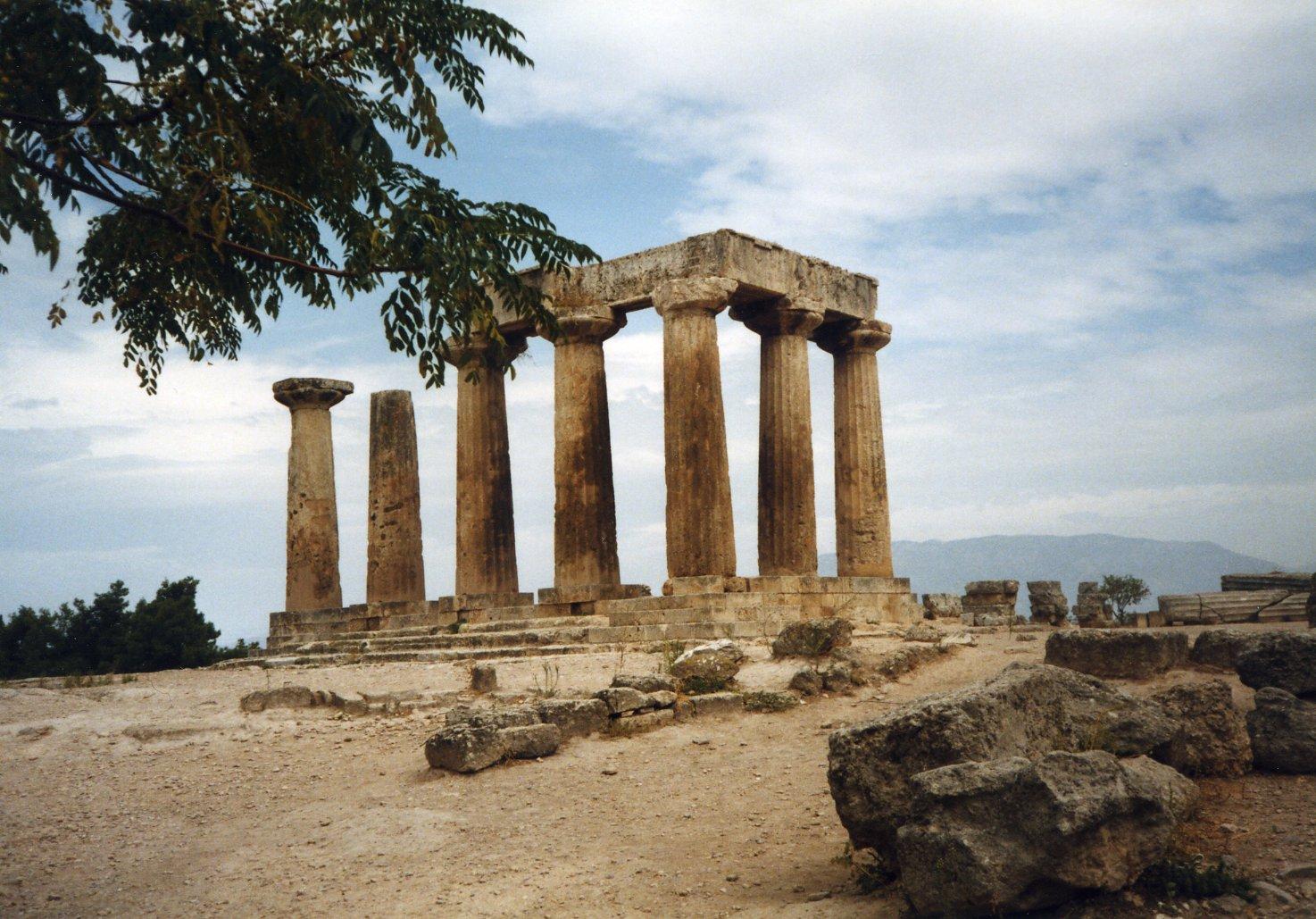 File:Greece Corinth Temple of Apollo.jpg - Wikimedia Commons
