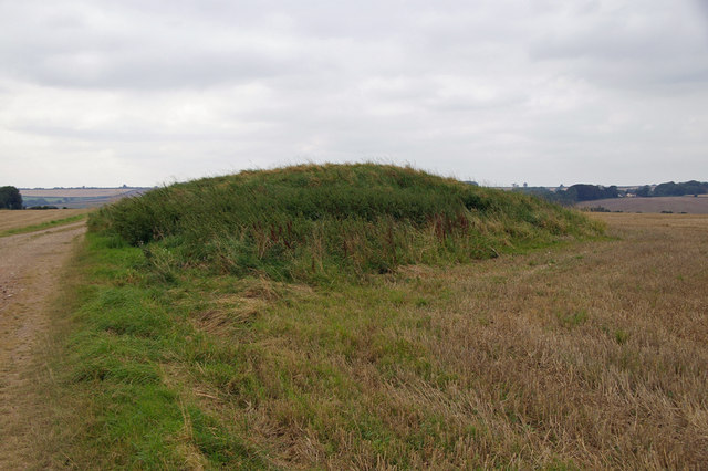 Grim's Mound is a well preserved round barrow situated adjacent to the Viking Way footpath at an elevation of 120m.