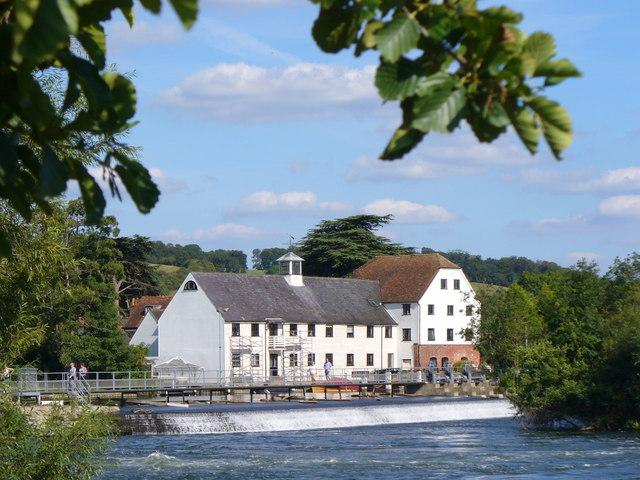 Hambleden Mill and Weir - geograph.org.uk - 536842