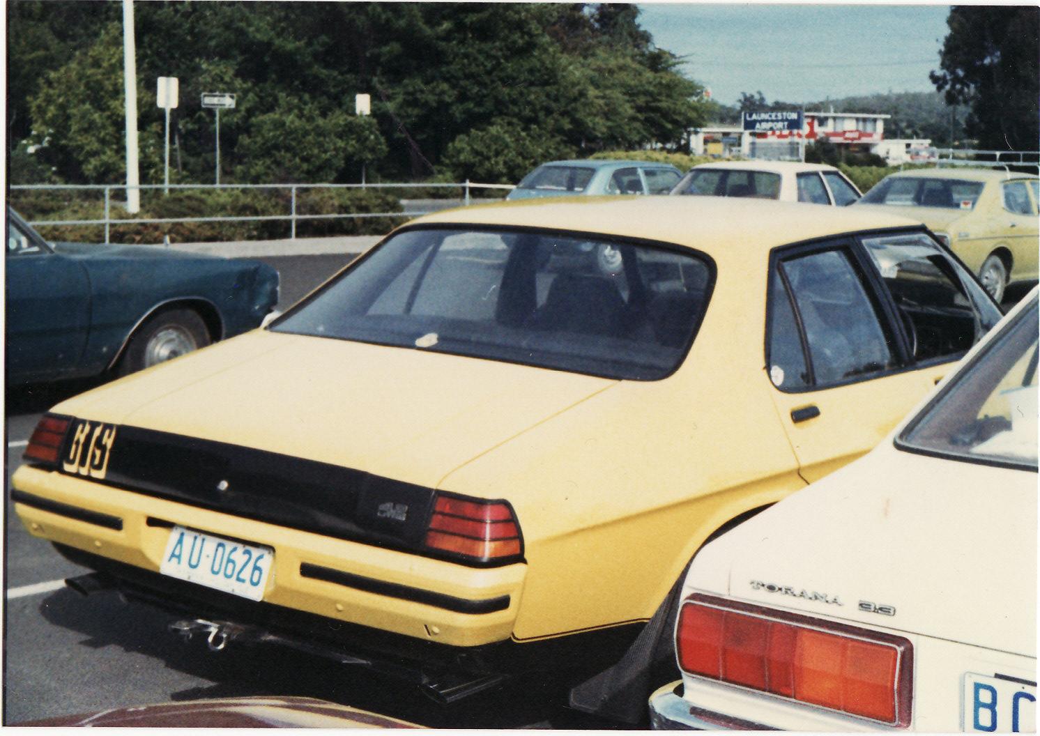 FileHolden HX Monaro GTS 4-door c. 1975-76 (Australia & File:Holden HX Monaro GTS 4-door c. 1975-76 (Australia) (16787677705 ...