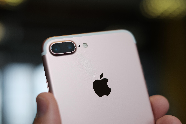 Langsamer werdende iPhones: Benchmarks deuten Drosselung durch iOS an | Mac & i