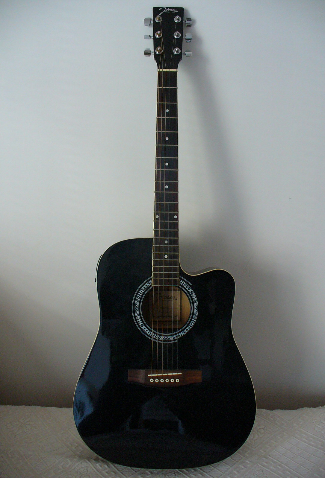file johnson electric acoustic guitar wikipedia. Black Bedroom Furniture Sets. Home Design Ideas
