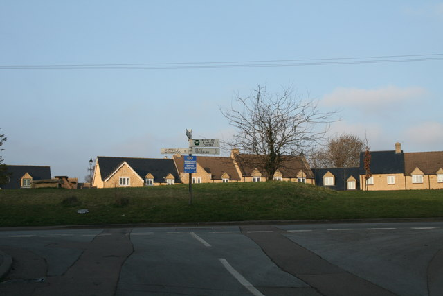 File:Junction in Chadlington - geograph.org.uk - 1096280.jpg