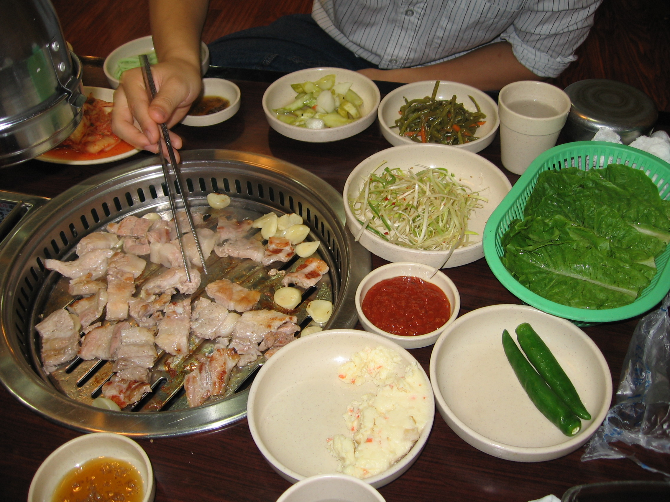 File korean food wikimedia commons for Cuisine korean