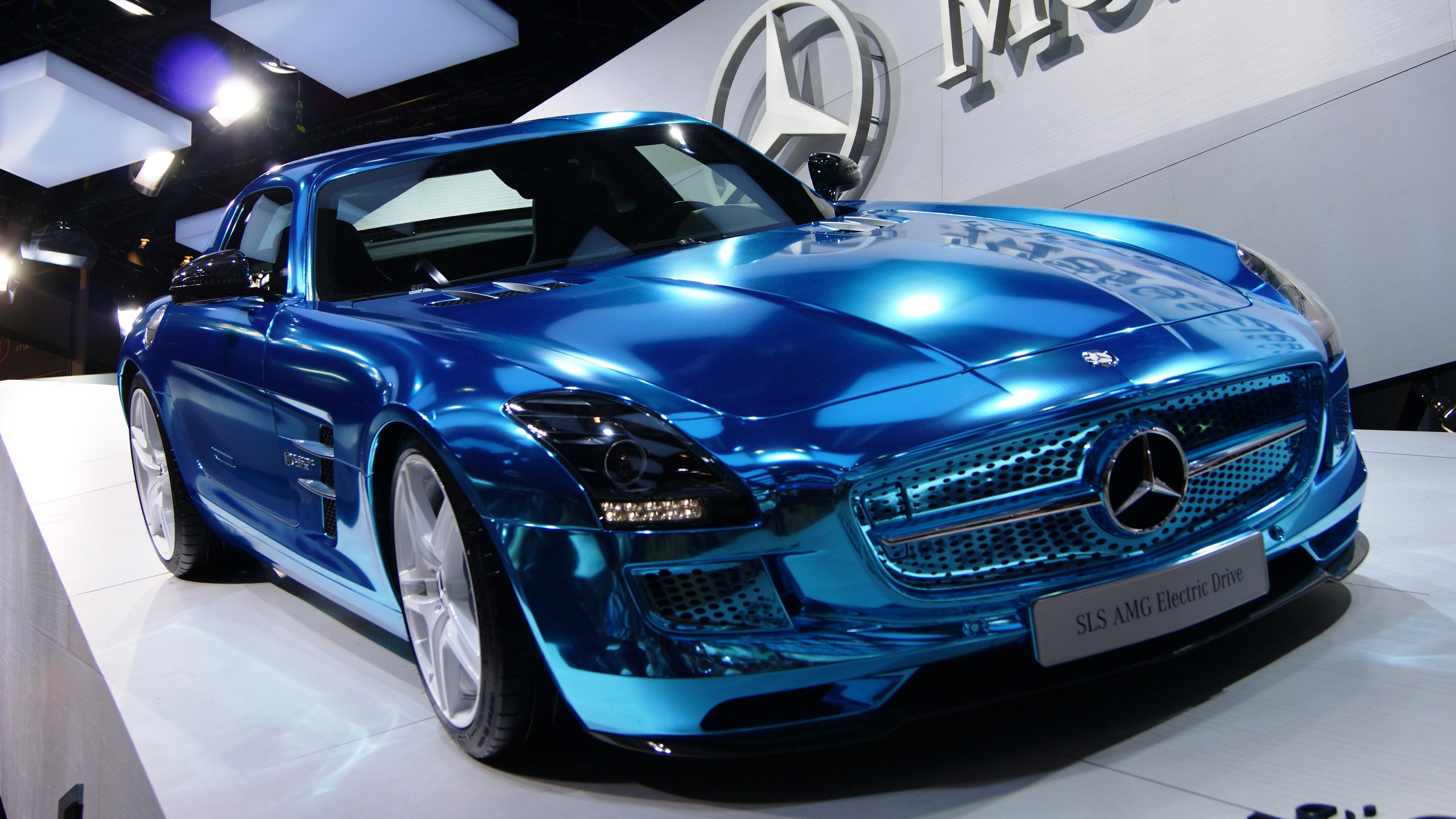Azbuka automobila - Page 8 L108_-_Mercedes_SLS
