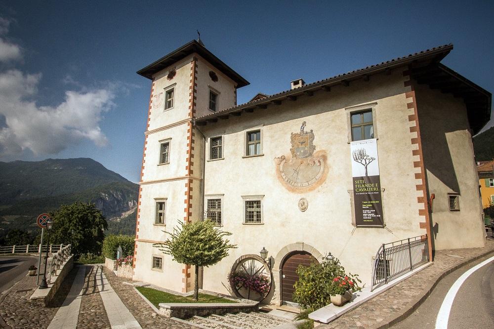 Casa campia wikipedia - Dipingere la facciata di casa ...