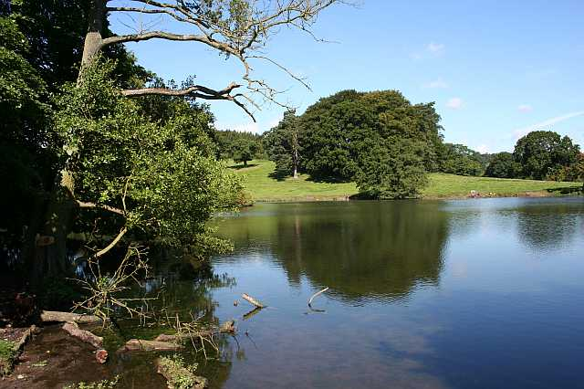 Lake in Osmaston Park - geograph.org.uk - 1348213