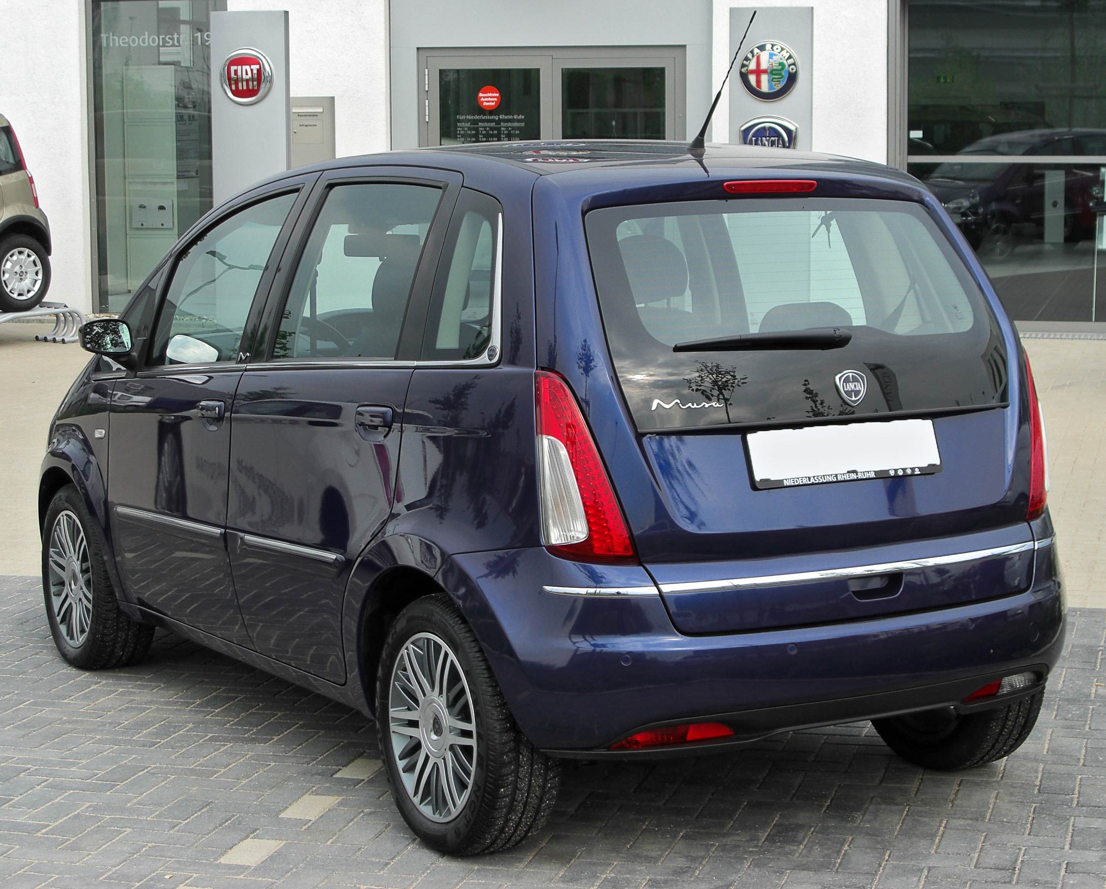 file lancia musa facelift rear wikimedia commons. Black Bedroom Furniture Sets. Home Design Ideas