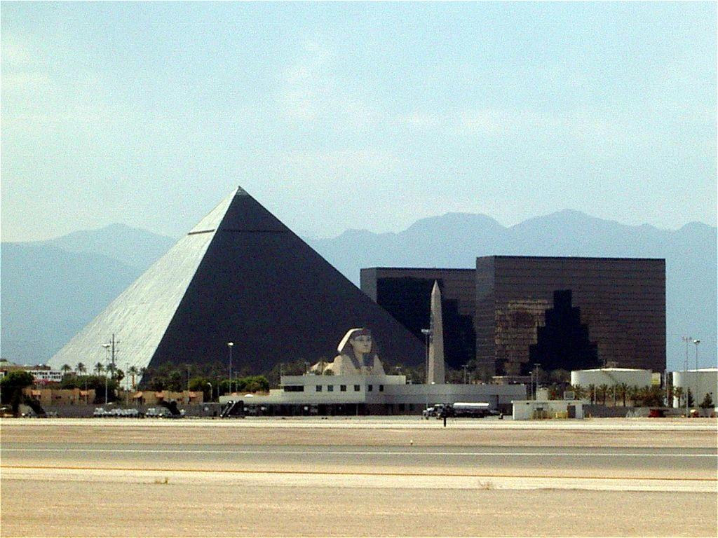 Monte Carlo Resort and Casino, Las Vegas - Expediade