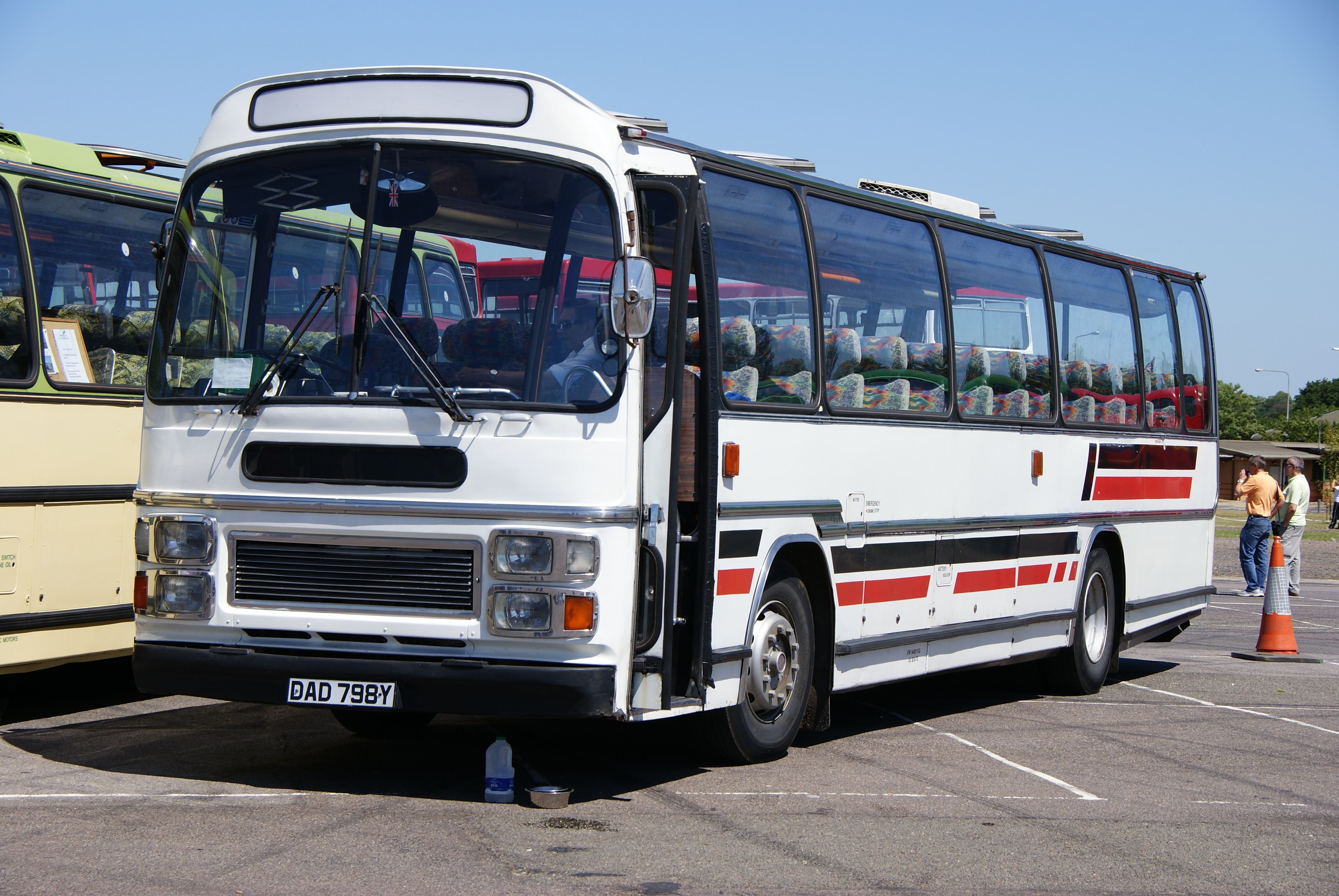 File:Leyland Leopard (DAD 798Y), 2010 North Weald bus ...