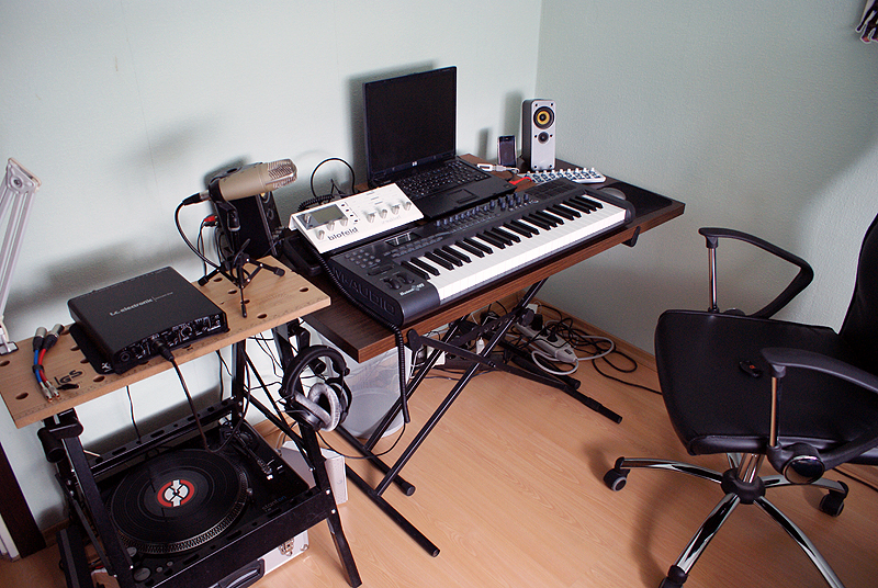 File liquidmolly 39 s home recording studio wikimedia commons - Home studio ...