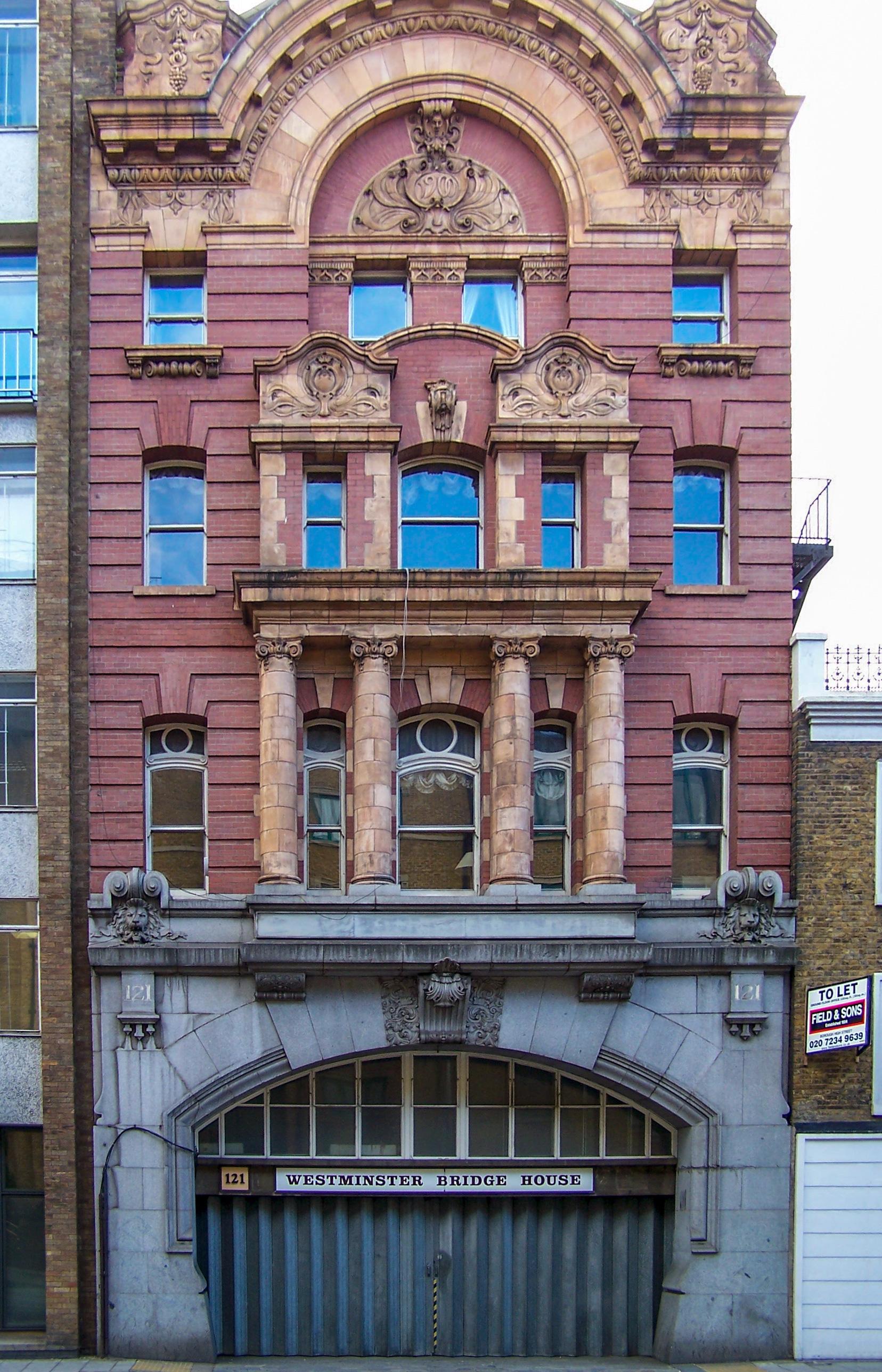 Hotel Near London Bridge Train Station