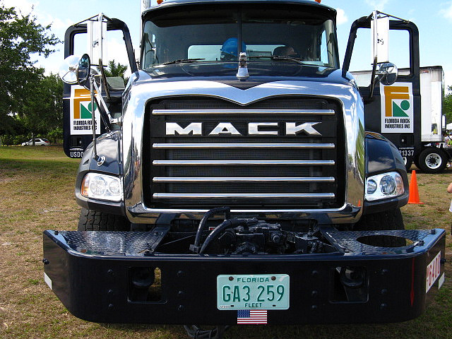 Image Gallery mack truck front