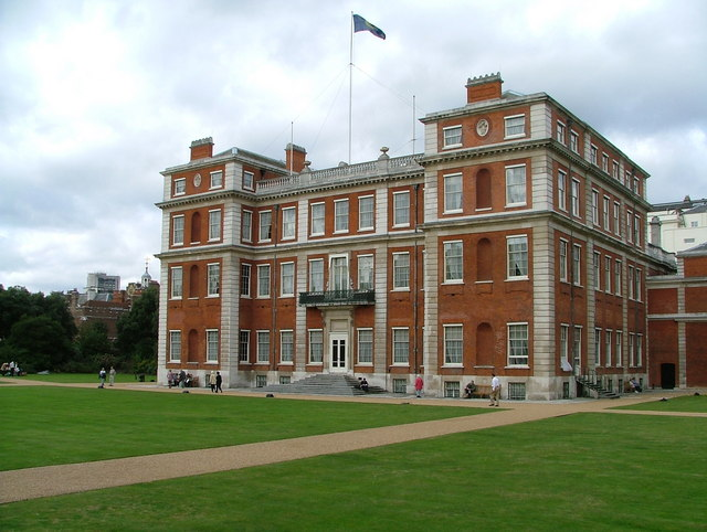 File:Marlborough House London - geograph.org.uk - 1092497.jpg ...