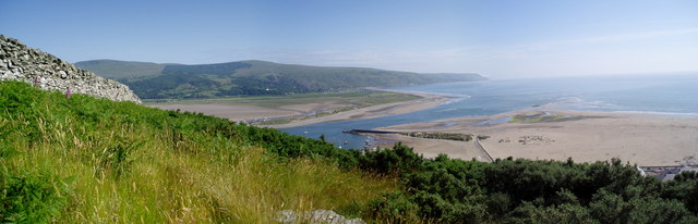 Mawddach Estuary from Dinas Oleu - geograph.org.uk - 185788