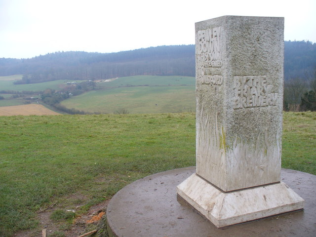 Memorial Stone, Pewley Down - geograph.org.uk - 639596