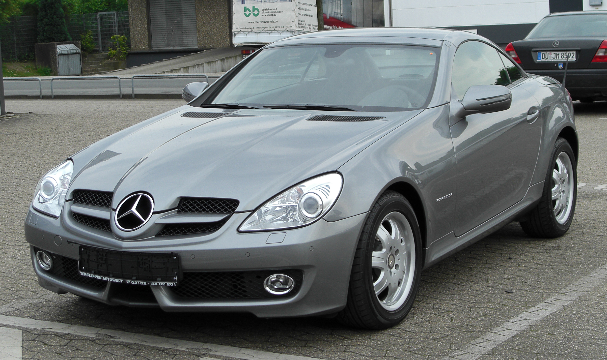 file mercedes slk 200 kompressor r171 facelift front wikimedia commons. Black Bedroom Furniture Sets. Home Design Ideas