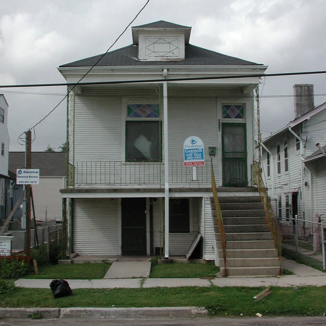 File:Mid-City New Orleans Iberville Street House For Sale