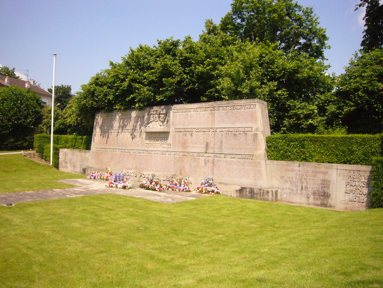 File monument aux morts limoges jardin d 39 orsay jpg wikimedia commons - Jardin mediterraneen limoges ...