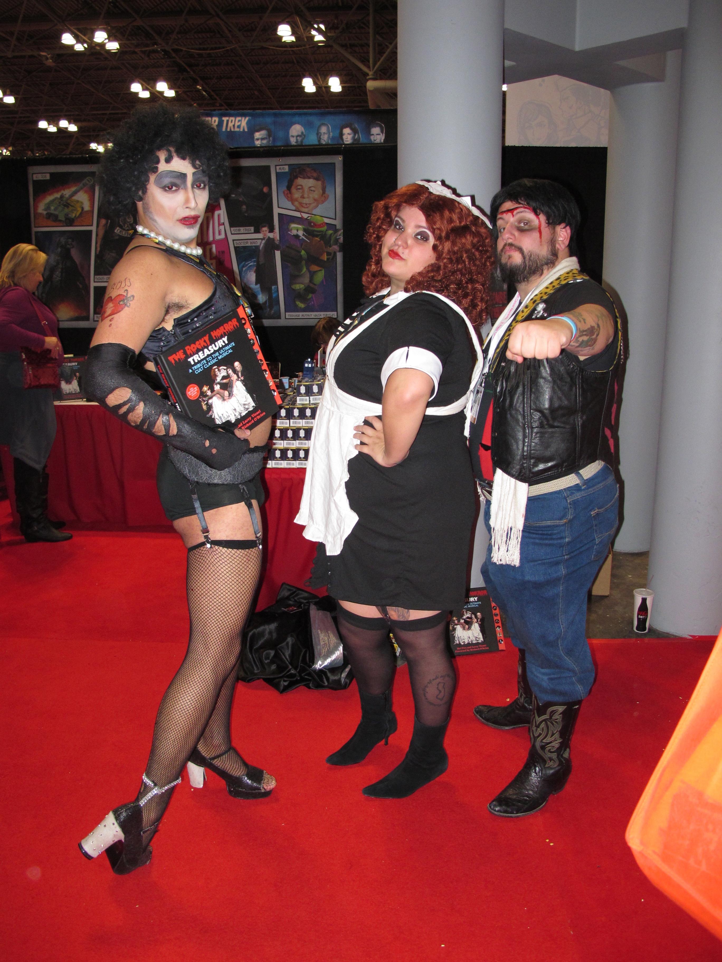 Spandex femdom mixed wrestling