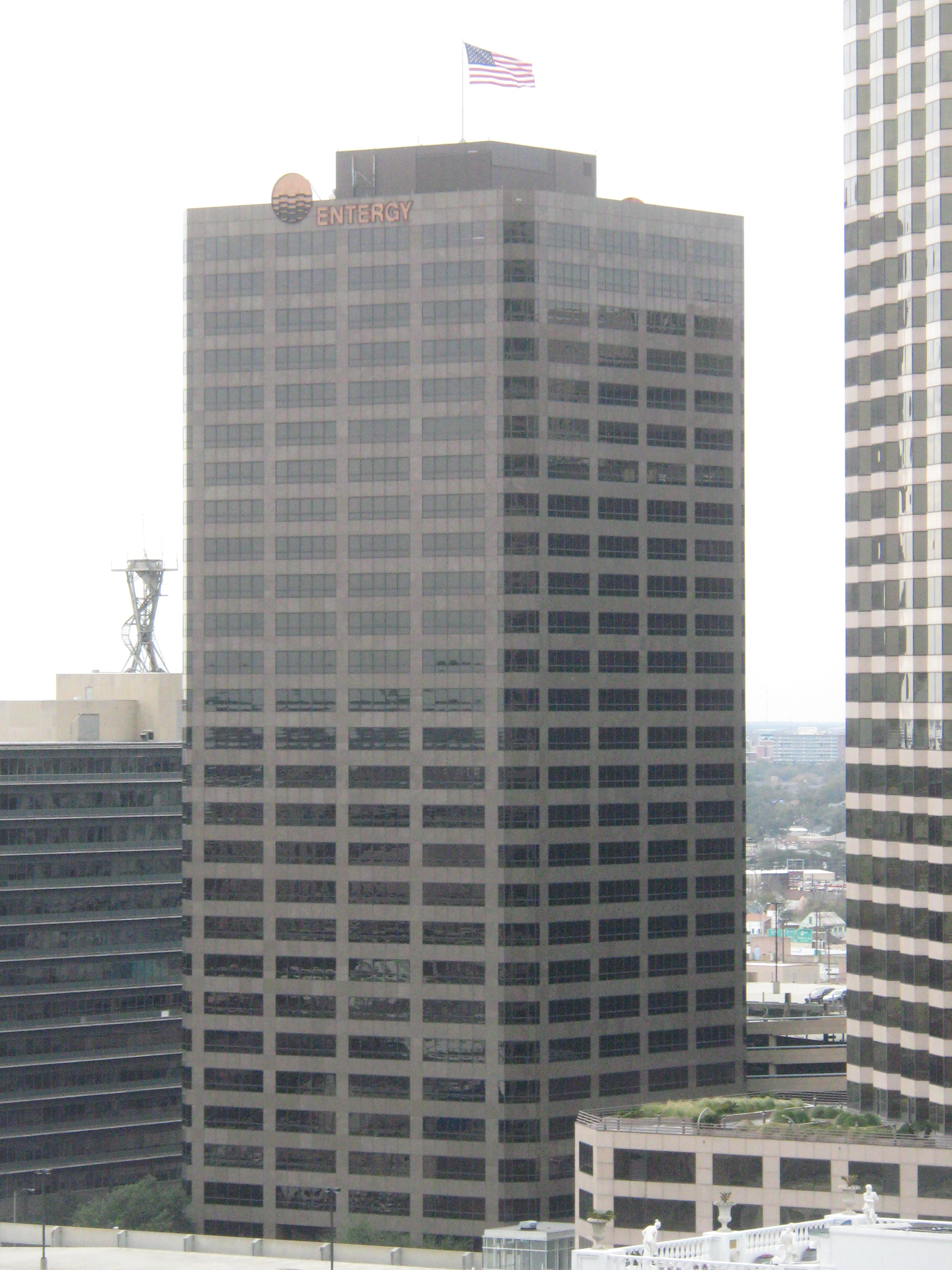 File:New Orleans, Louisiana , Entergy building from Hilton